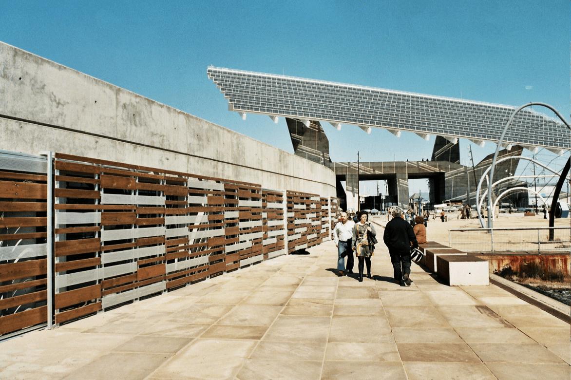 Mandianes Pavimentos, Parquets y Puertas - Außenverkleidungen