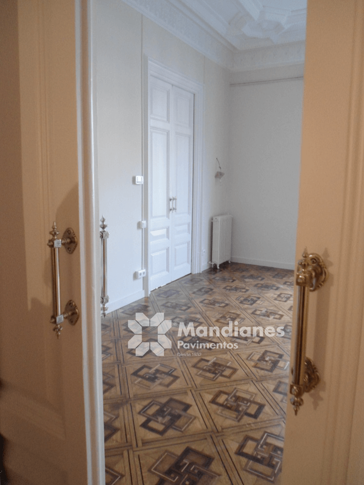 Mandianes Pavimentos, Parquets y Puertas - Herstellung und Restaurierung von Marketerie