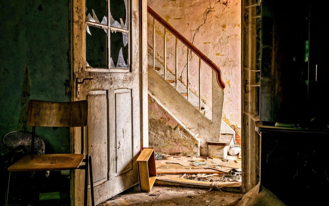 ¿Cómo se pueden renovar las puertas de una casa?